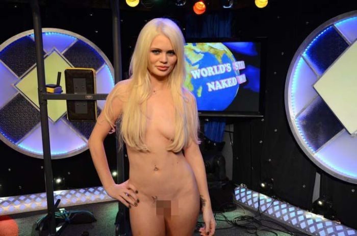 worlds strongest naked woman