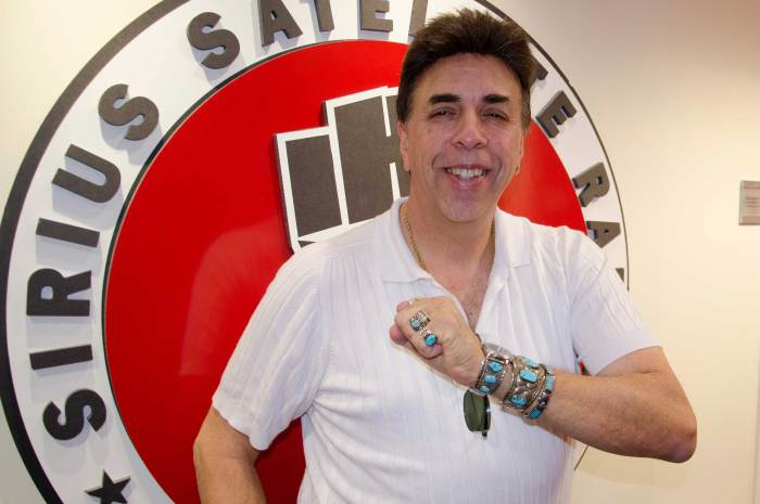 Bobo shows off his many pieces of jewelry during a 2016 visit to the Stern Show