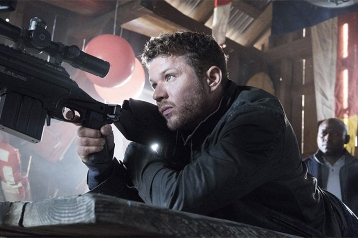 """Ryan Phillippe takes aim on """"Shooter"""" (2016)"""