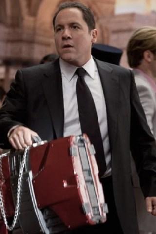 Jon Favreau Stars in Spider-Man Unboxing Video