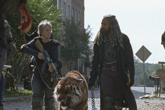 Carol (Melissa McBride), a tiger, and Ezekial (Khary Payton) on