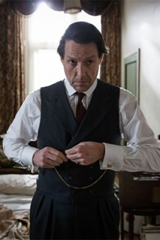 Hugh Grant Portrays a Scandal-Plagued Politician