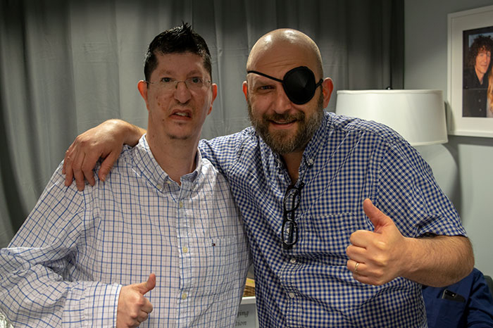Marfan Mike with Shuli Egar who recently scratched his cornea