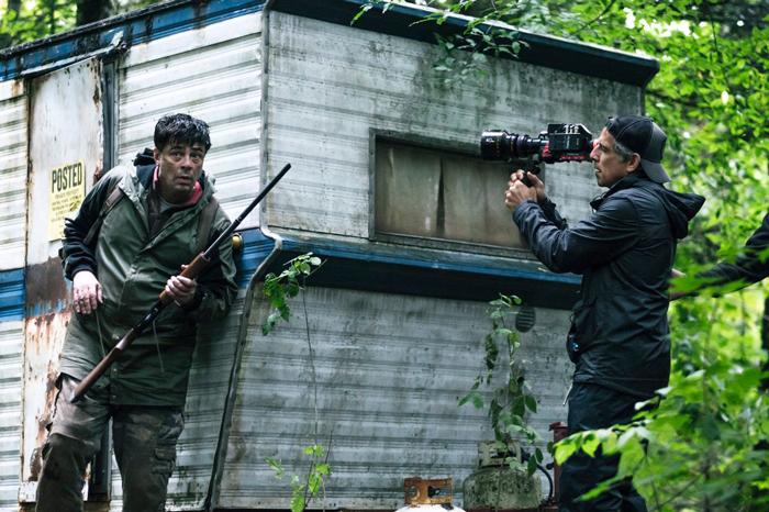 """Benicio del Toro and Ben Stiller on the set of """"Escape at Dannemora"""""""