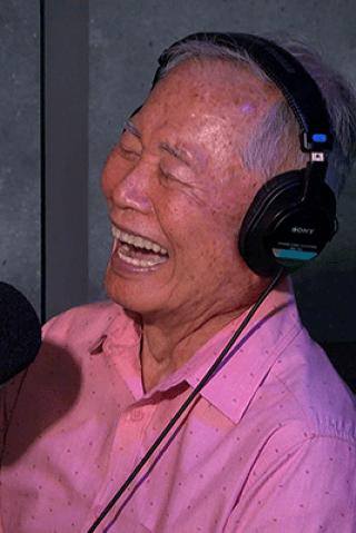 Howard & Robin Test George Takei's Pronunciation