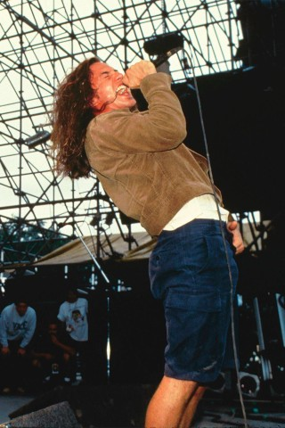 Pearl Jam Releases Uncensored 'Jeremy' Music Video