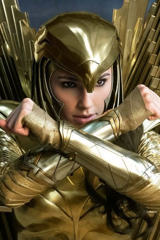 Gal Gadot & Kristen Wiig Face Off in New Trailer