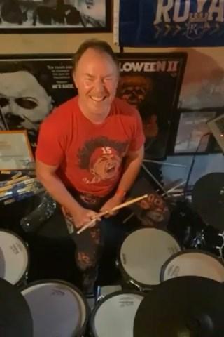 Howard Celebrates Bonzo & Richard Plays the Drums