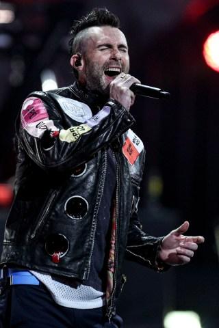 Howard Runs Into Maroon 5's Adam Levine