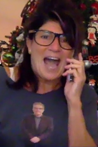 VIDEO: Mariann Helps Howard Announce He's Staying