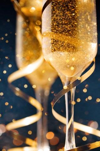 Howard & Beth Call Fans on New Year's Eve Again